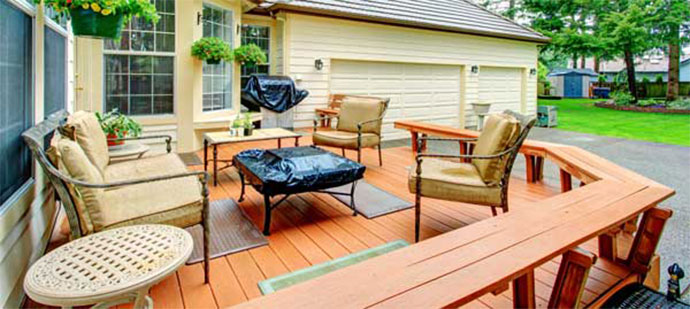 Things To Consider Before Buying Outdoor Rugs For Wood Decks